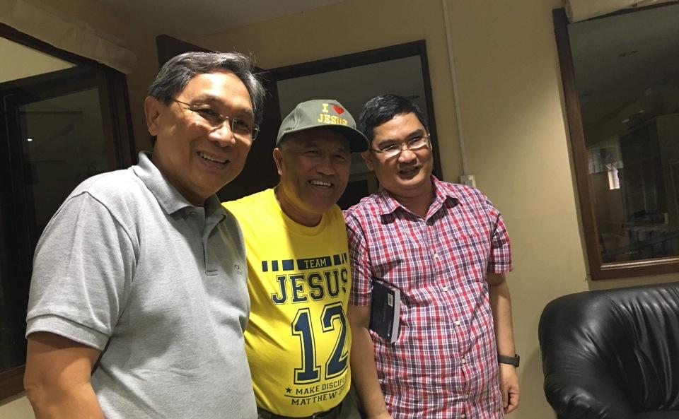 Pastor Joe Ascalon of Ikthus Bacolod, US Navy Chaplain Commander Dondoy Biadog, and me.